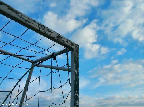 Fußballtor (Verena N. / pixelio.de)