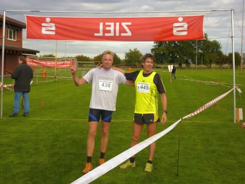 Sieger Thomas Ruminski (rechts) mit dem zweiten Jörg Fritsche