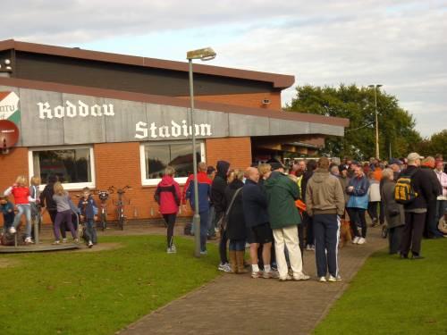 Das sehr gut besuchte Roddau Stadion in Rottorf