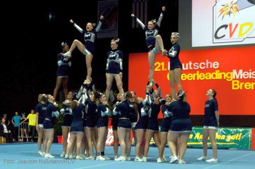 Platz 13 für die Hannover Sapphires bei der Deutschen Cheerleading Meisterschaft