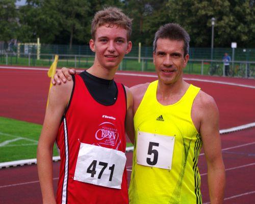 Europameister Thomas Ruminski (rechts Nr. 5) mit Jonas Amtsfeld (LG Wennigsen)
