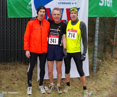 Manfred Schulz (TSV Kirchdorf), Wolfgang Lutz (TSV Kirchdorf) und Sieger Thomas Ruminski (SVE Hiddestorf) in Lingen/Ems am 12.2.2012 (v.l.)