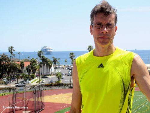 Europameister Thomas Ruminski vor dem La Playa Stadium in Santa Barbara Kaliforniern