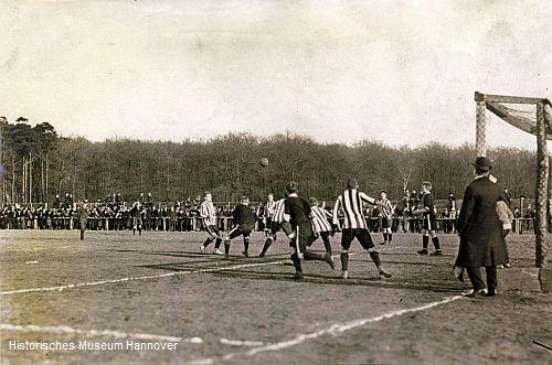 Ligaspiel Eintracht Hannover gegen Hannover 96 (Foto: Historisches Museum Hannover)