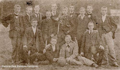 Erste Fotografie von Mitgliedern des H.F.C. von 1896 (Foto: Historisches Museum Hannover)