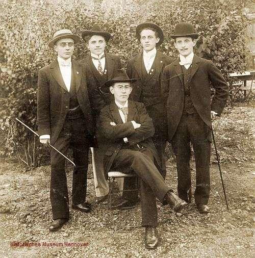 Fünf Mitglieder der Gründergeneration (Foto: Historisches Museum Hannover)