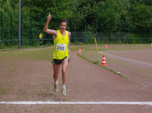 Thomas Ruminski (SVE Hiddestorf) beim Zieleinlauf