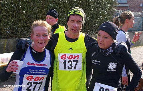 Martina Boe-Lange (Post-SV Uelzen), Europameister Thomas Ruminski (SVE Hiddestor) und Katrin Kreil (Hannover 96)