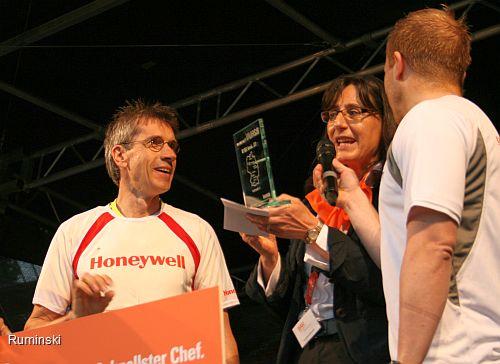 Thomas Ruminski (Honeywell) im Interview bei der Siegerehrung auf der Bühne des NDR in der AWD Arena in Hannover