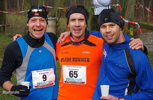 Tobias Klinkberg (Triathlon Team Braunschweig), Thomas Ruminski (SVE Hiddestorf) und Marcel Schläger (TSV Lelm / v.l.)