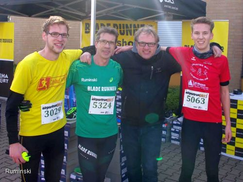 Von links: Sascha Kulas, Thomas Ruminski , Jens Rohracker (Blade Runner Hannover) , Ole Küster