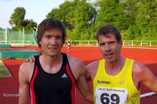 Matthias Becker (LG Salzgitter) und Europameister Thomas Ruminski (SVE Hiddestorf / v.l.)