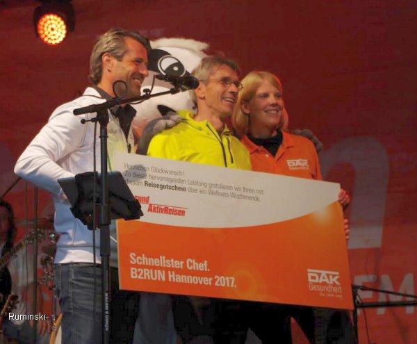 Thomas Ruminski von Honeywell gewinnt die Deutsche Firmenlaufmeisterschaft am 31.8.2017 in Hannover